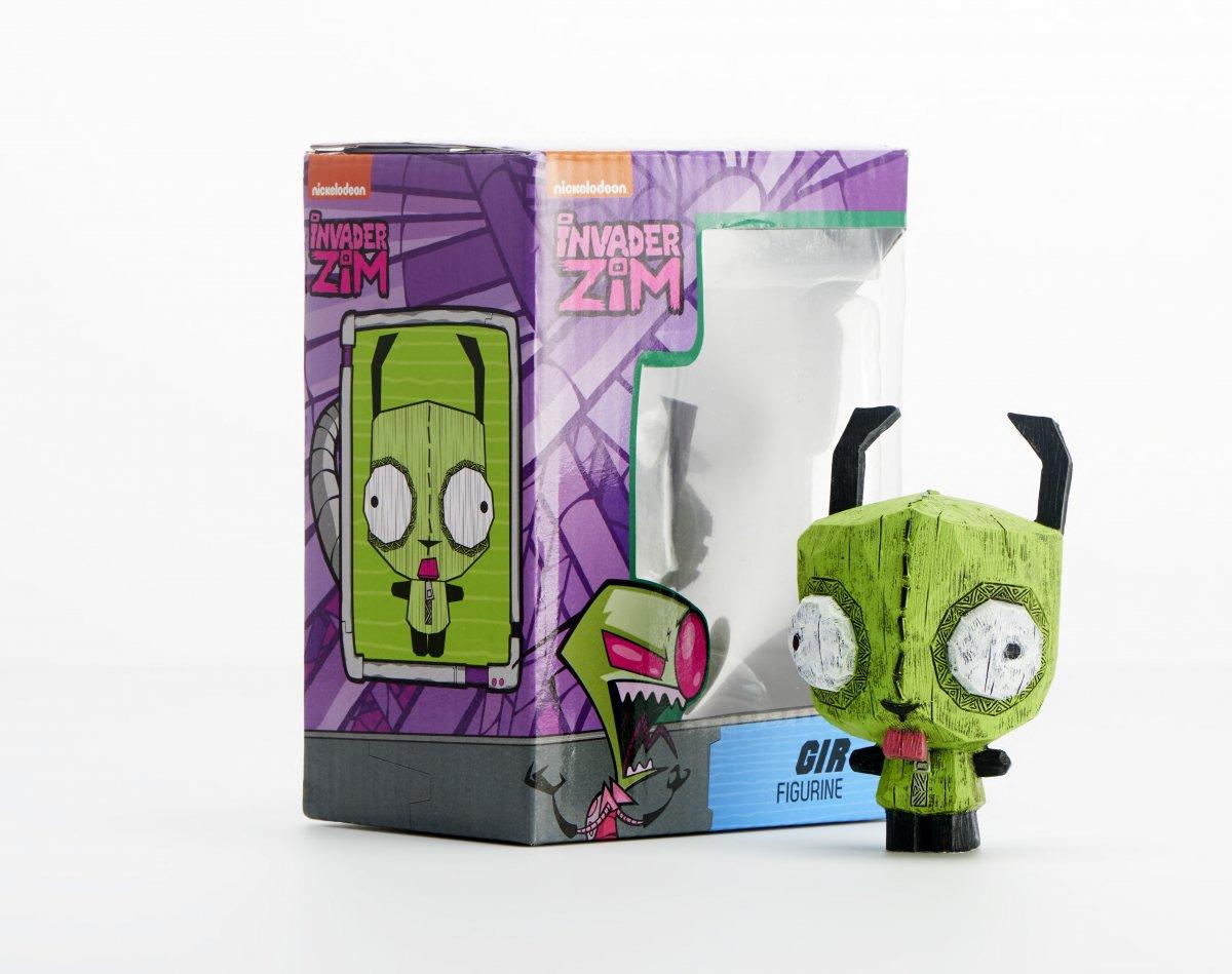 Eekeez Gir figure with packaging.jpg