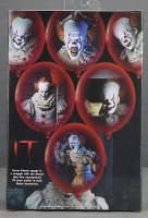 2017-IT-Deluxe-Pennywise-NECA-Figure04.jpg