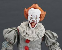 2017-IT-Deluxe-Pennywise-NECA-Figure24.jpg