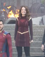 melissa-benoist-and-erica-durance-on-the-set-of-supergirl-in-vancouver-05-02-2018-15.jpg