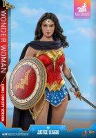 Hot-Toys-Comic-Wonder-Woman-01.jpg