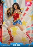 Hot-Toys-Comic-Wonder-Woman-13.jpg