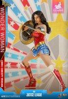 Hot-Toys-Comic-Wonder-Woman-16.jpg