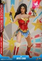 Hot-Toys-Comic-Wonder-Woman-18.jpg