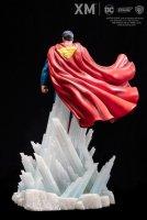 DC-Rebirth-Superman-Statue-05.jpg