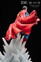 DC-Rebirth-Superman-Statue-06.jpg