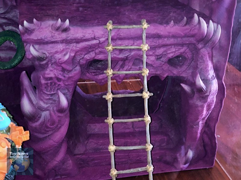 Masters Of The Universe Classics Snake Mountain Playset Pre